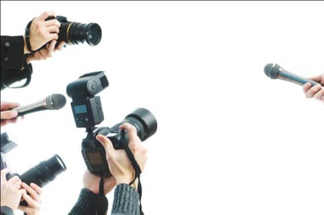 Nếu là người mang số 3 thì bạn nên chọn nghề nhà báo